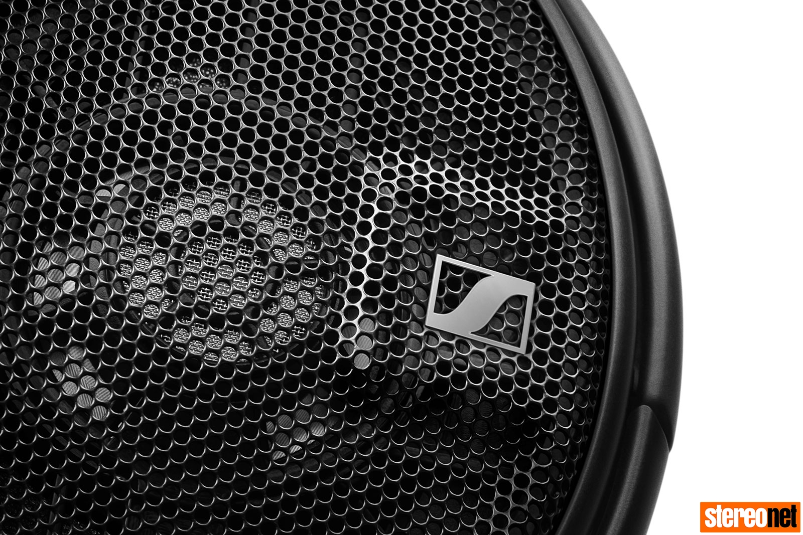 Sennheiser HD660S Diaphragm Detail