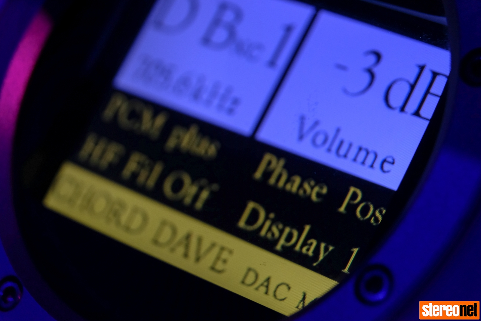 Chord Electronics DAVE Colour Display