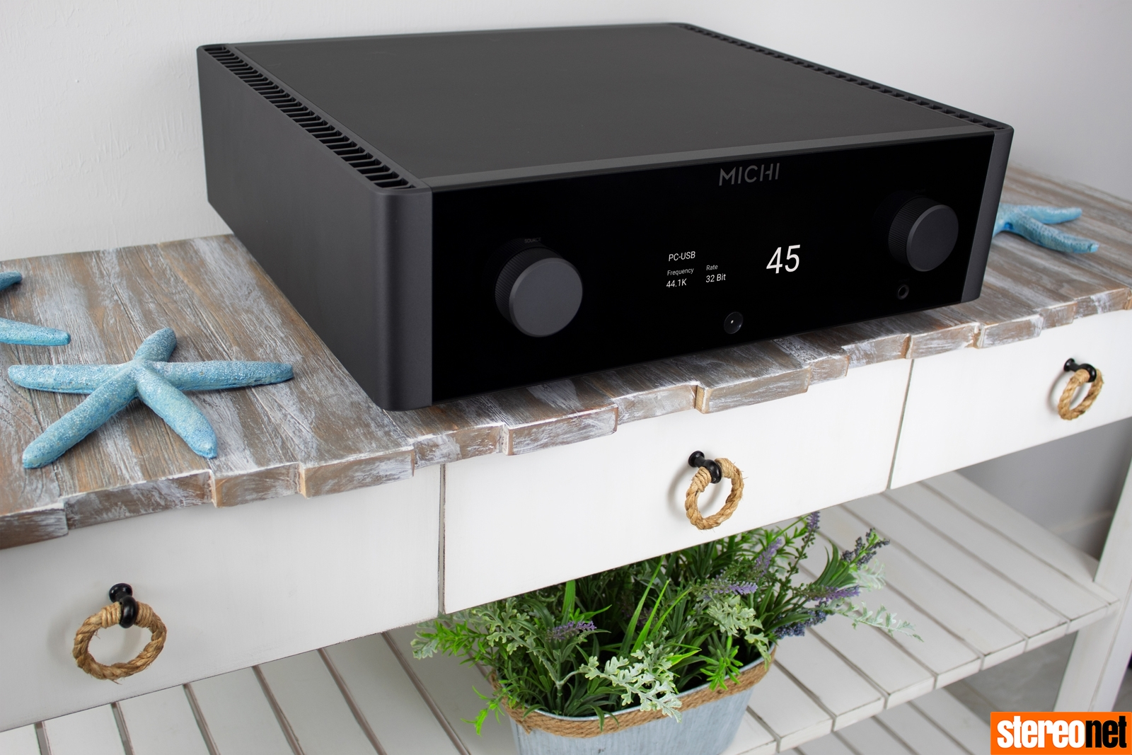 Rotel Michi X3 X5 integrated amplifier
