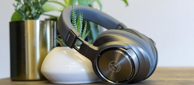REVIEW: AUDIO-TECHNICA ATH-DSR9BT WIRELESS OVER EAR