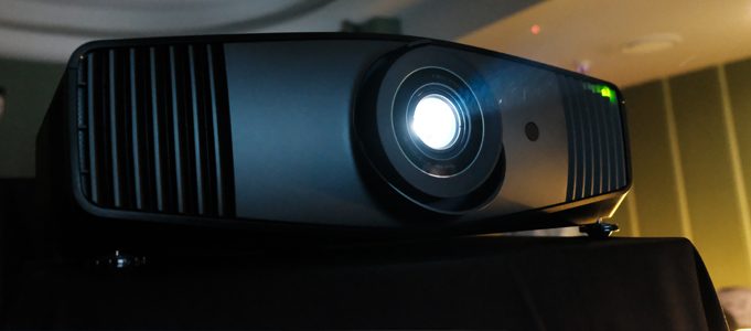 REVIEW: BENQ W5700 4K UHD PROJECTOR