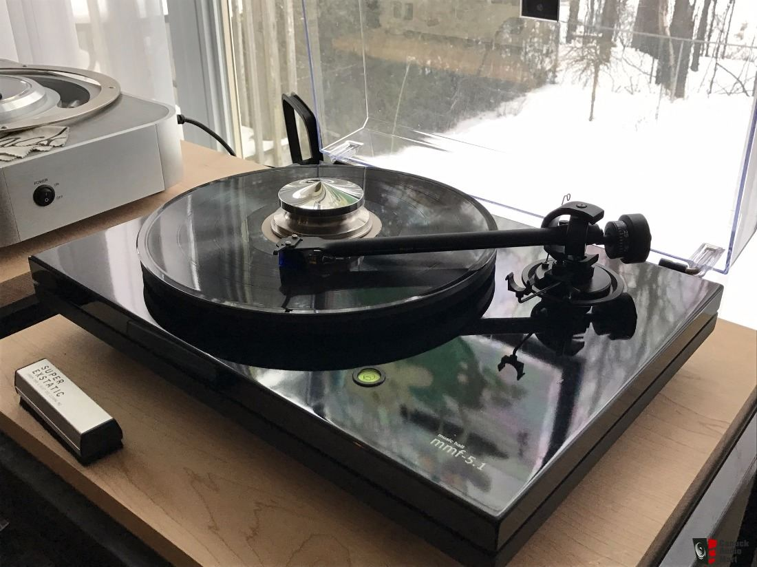 Music Hall MMF 5.1 Turntable