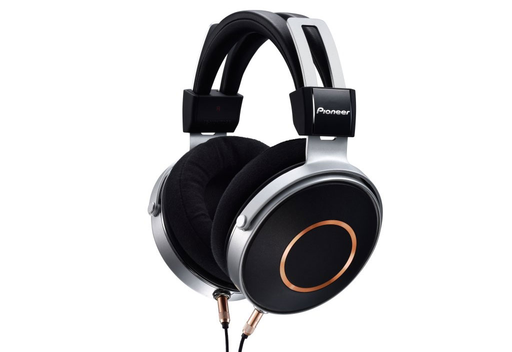 Pioneer SE-Monitor 5 Closed Back Headphones