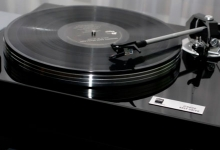 DUAL TURNTABLES FIND NEW AUSTRALIAN HOME