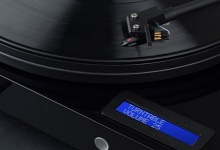 JUST ADD SPEAKERS WITH PRO-JECT'S JUKE BOX E TURNTABLE