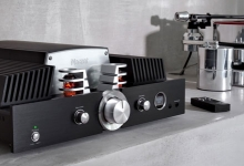 MAGNAT RELEASES RV 4 INTEGRATED AMP