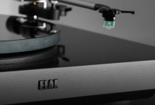 ELAC RELEASES THE MIRACORD 70 TURNTABLE