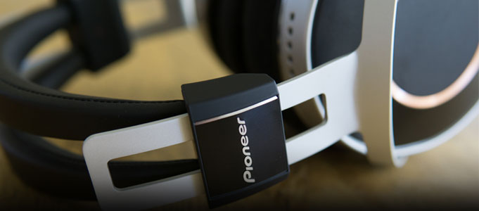 REVIEW: PIONEER SE-MONITOR 5 HEADPHONES