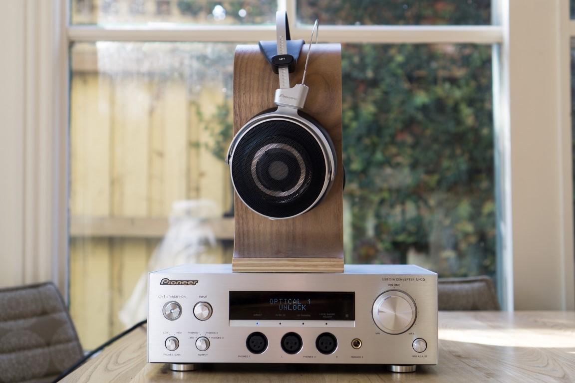 Pioneer SE Master 1 & U05 Amplifier