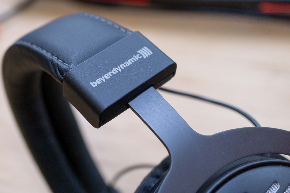 Beyerdynamic DT 1990 Pro Close Up