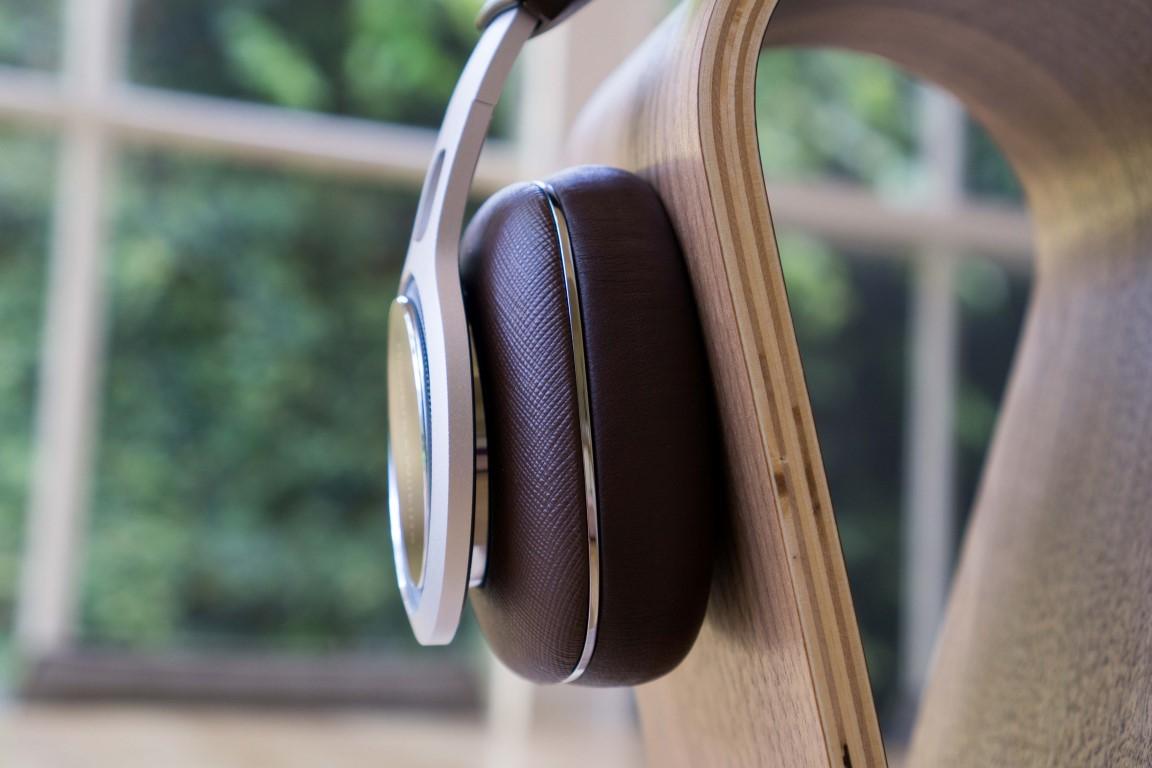 B&W P9 Signature Headphones
