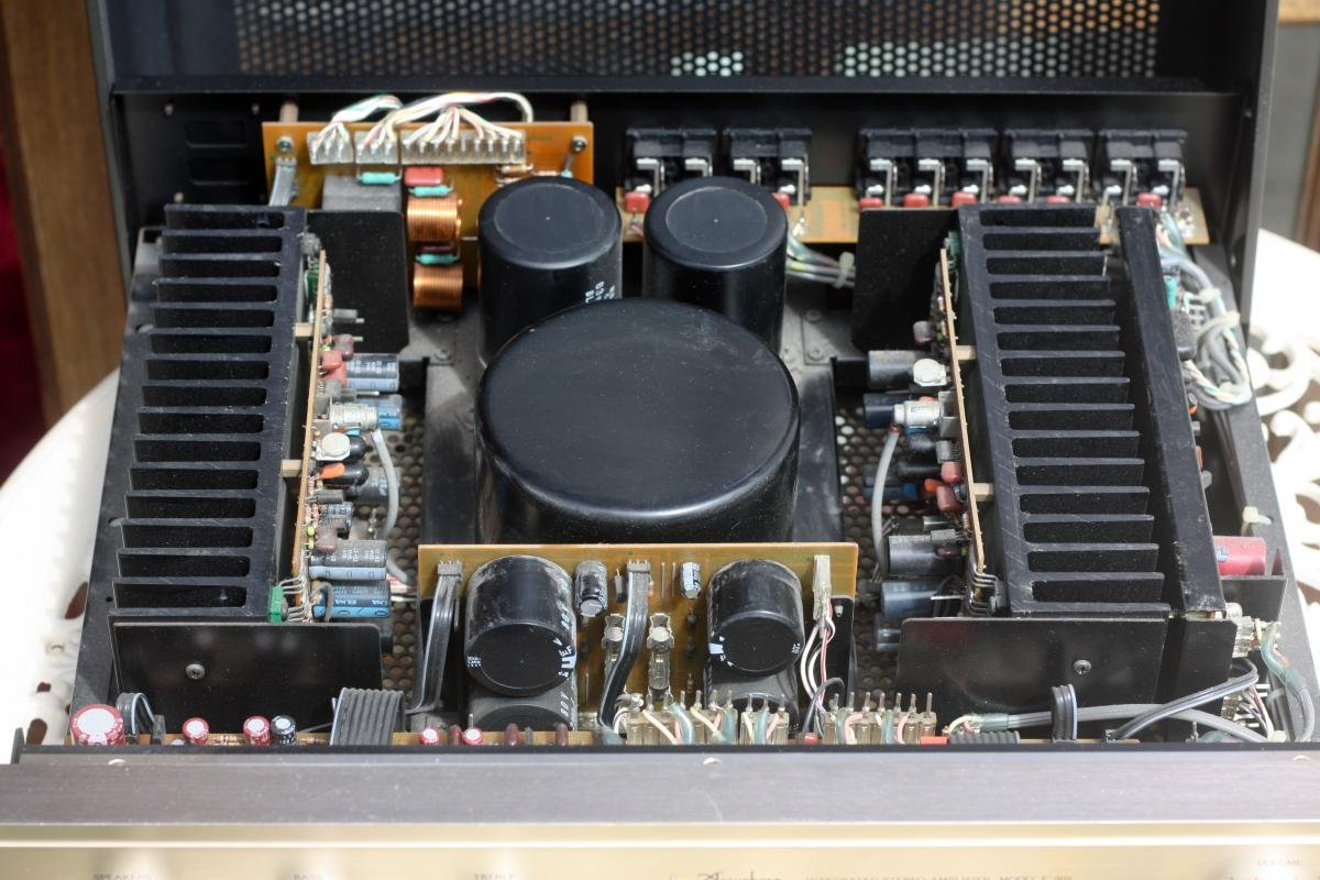 Fs  Accuphase E