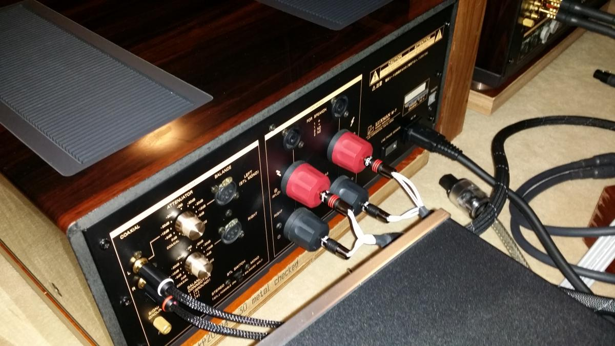 item luxman pre amp power amp model m7 c7 classifieds audio stereonet. Black Bedroom Furniture Sets. Home Design Ideas