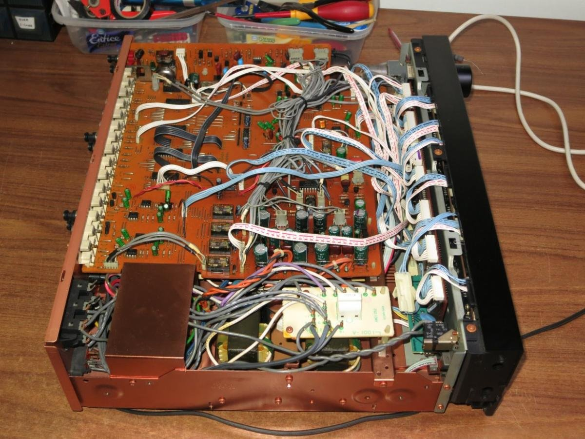 Pioneer C-90 Preamp - Schematics and Lids Lifted - StereoNET