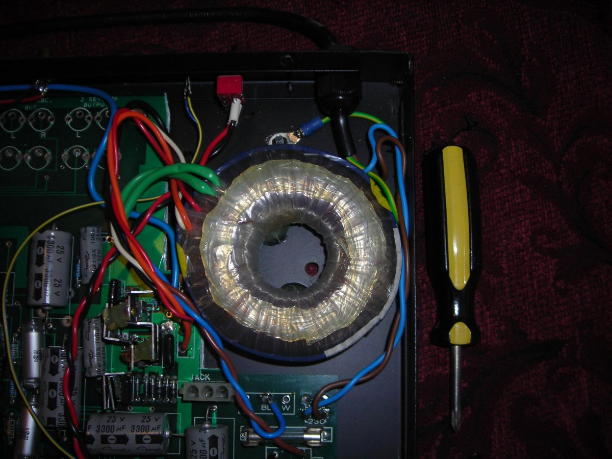 Amber phono stage lid lifted 2.jpg