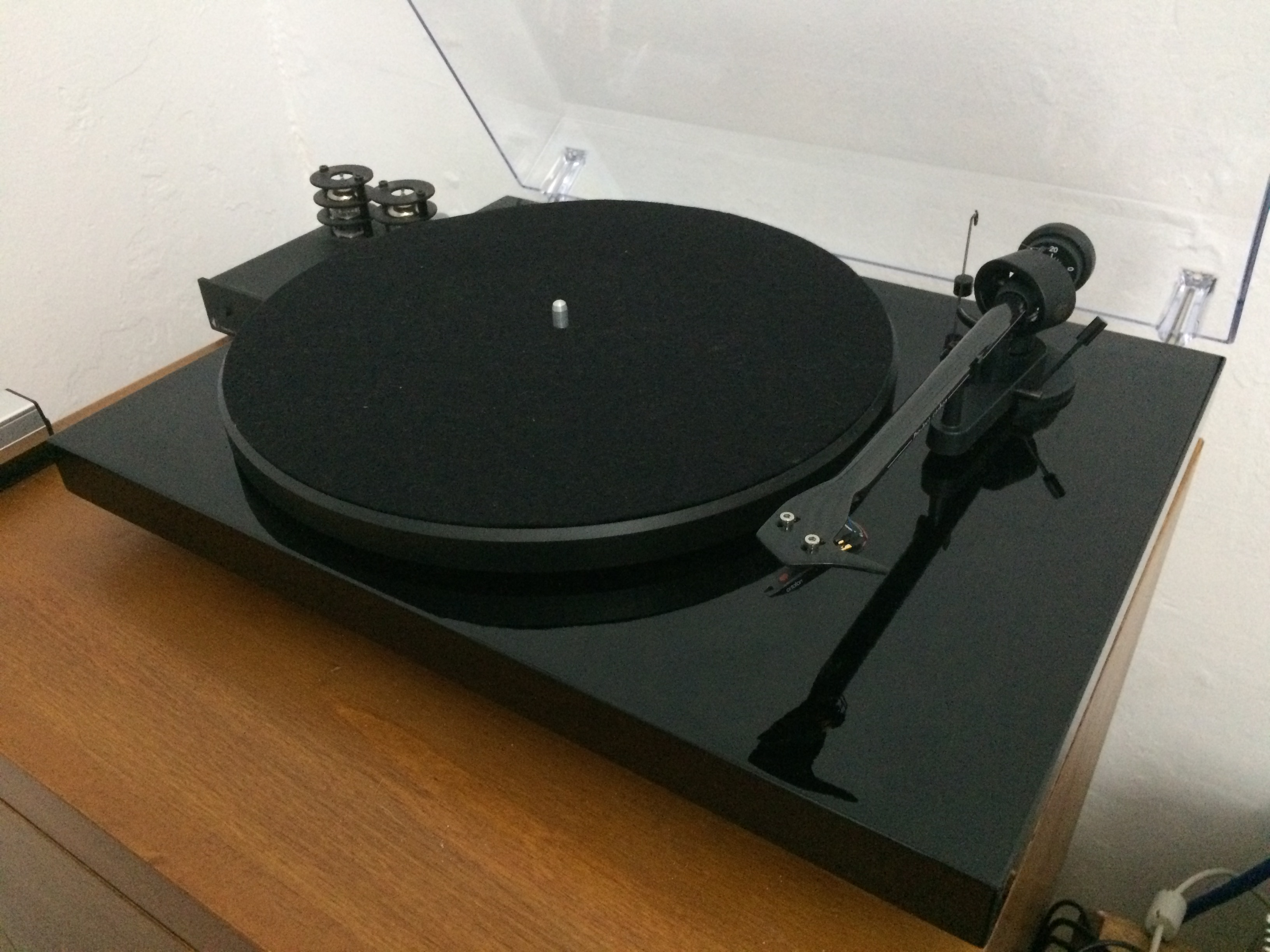 FS: Pro-Ject Debut Carbon Turntable [SYD] - Classifieds