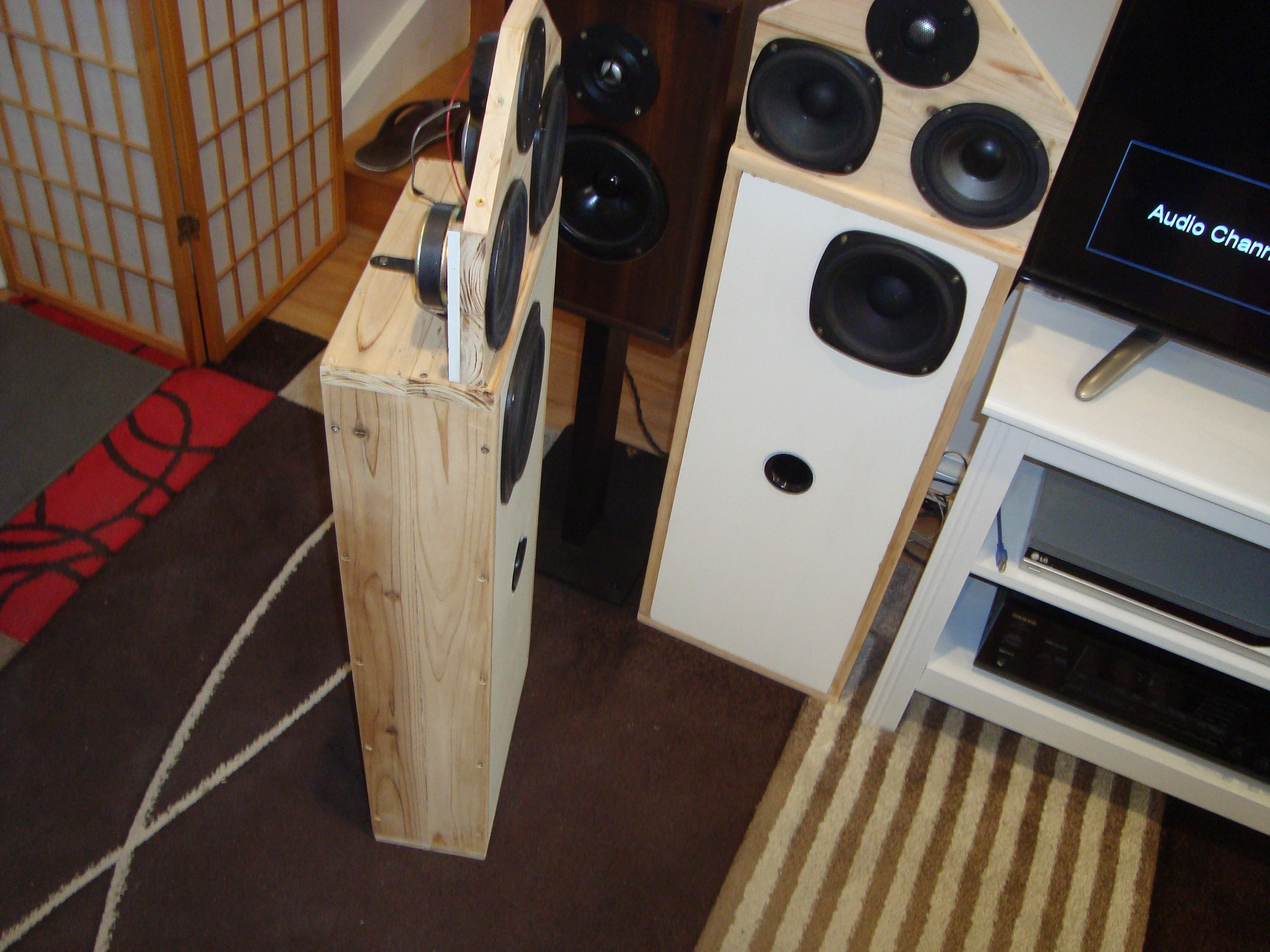 Box speakers with open baffle section SB in the box Sb,AR