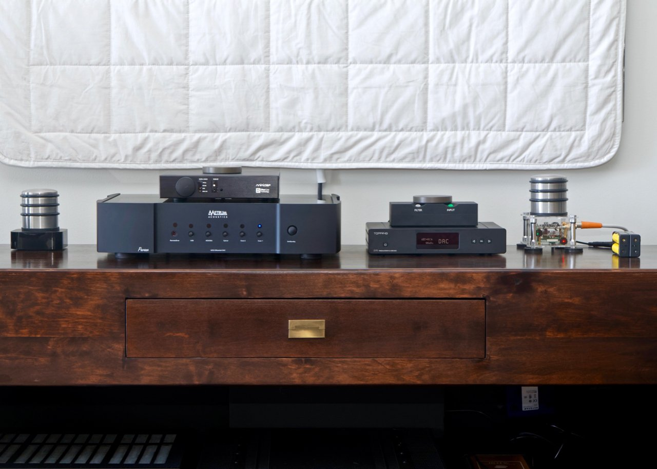 Topping D70 - Digital Sources, DACs & Music Streaming - StereoNET