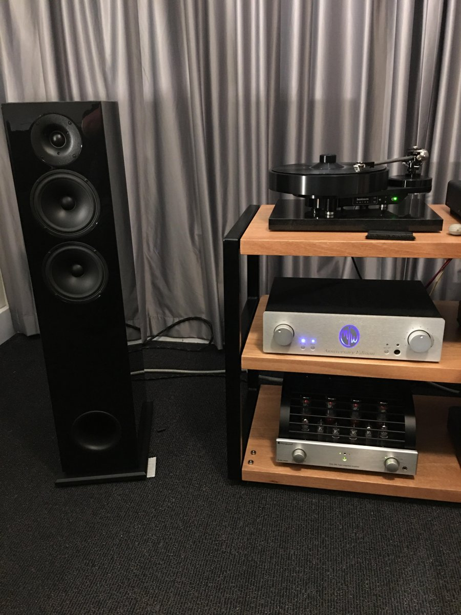 BR2 with Bardo & amps.jpg