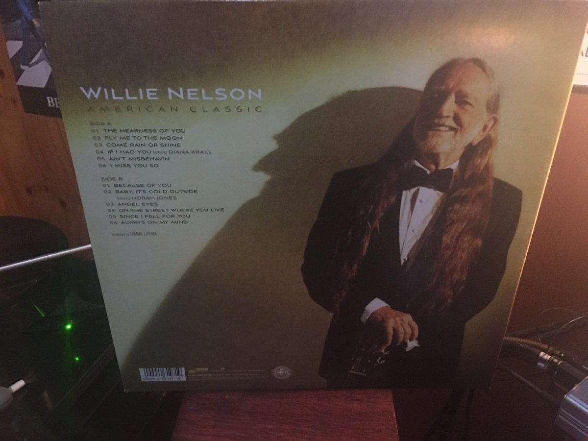 Willie Nelson - American Classic [back cover].JPG