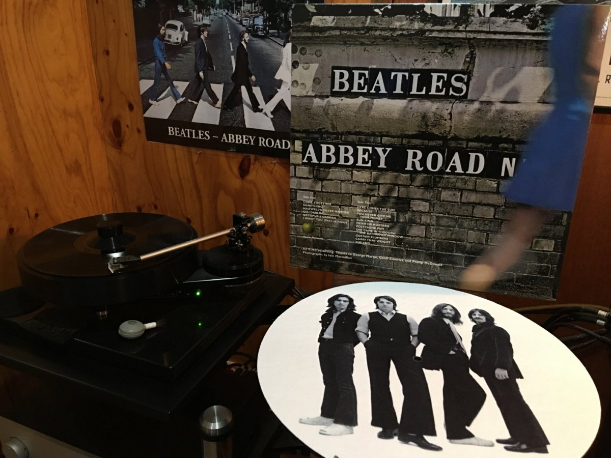 Beatles - Abbey Road 50 Anni Version back cover.JPG