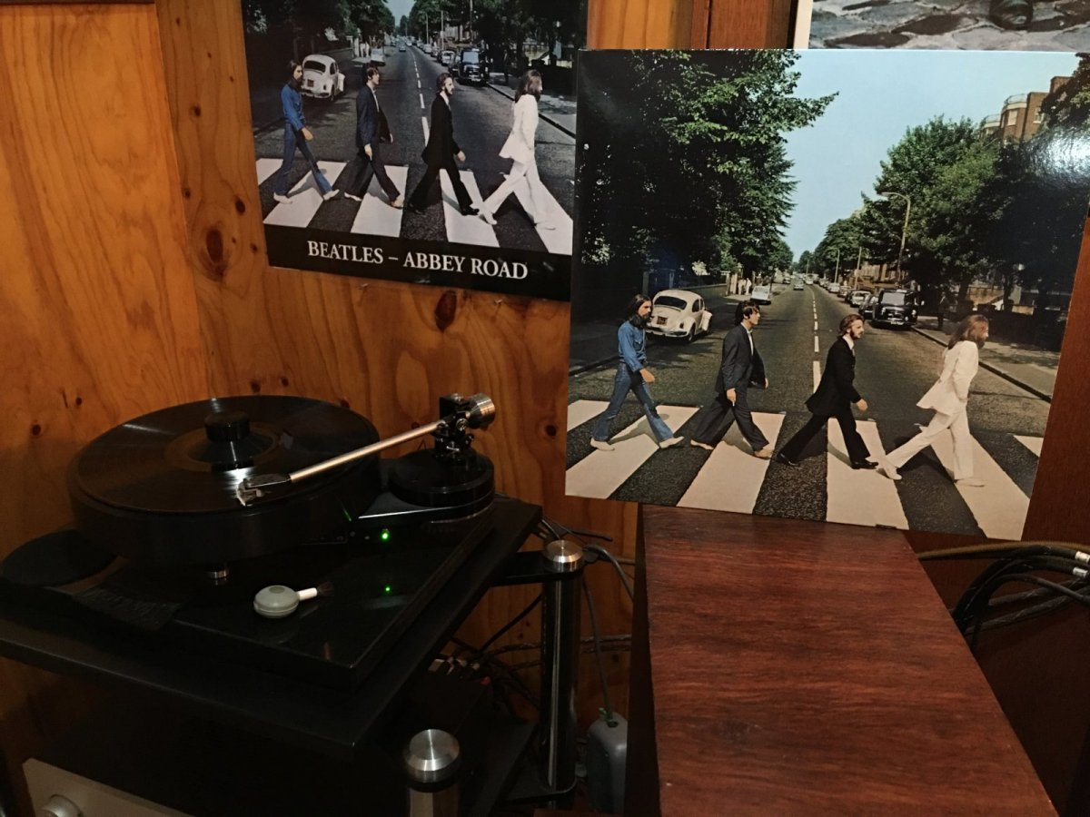 Beatles - Abbey Road 50 Anni Version front cover.JPG