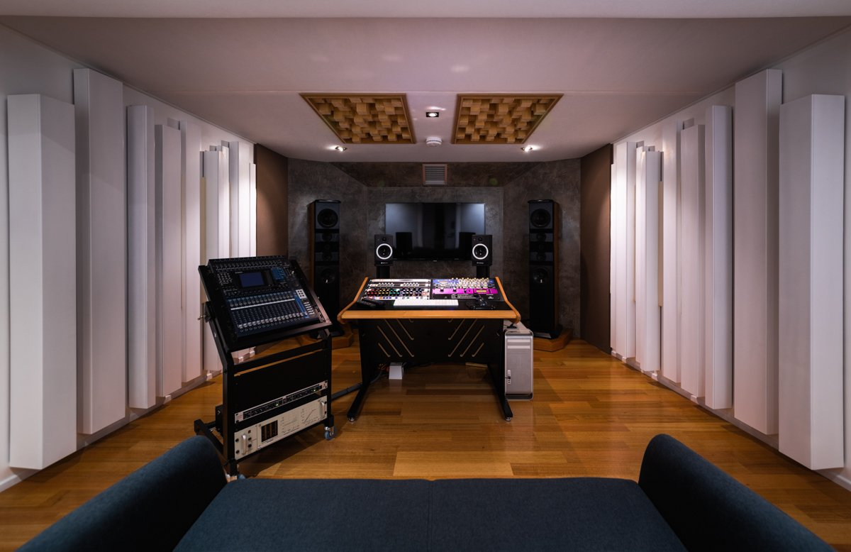 Matthew-Gray-Mastering-and-Mixing-Room-Image-Collection-Screen-Res-2.jpg