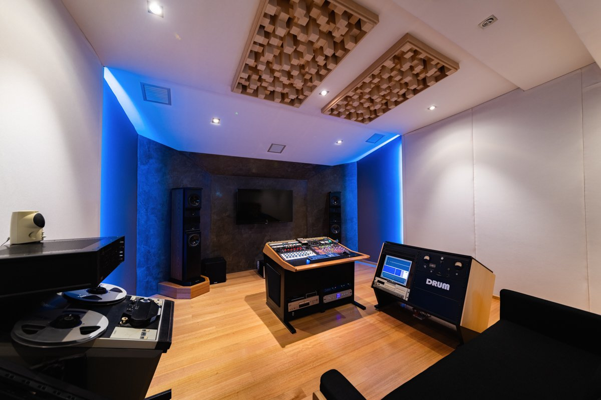 Matthew-Gray-Mastering-and-Mixing-Room-Image-Collection-Screen-Res-24.jpg
