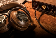 KLIPSCH HONOURS FOUNDER WITH NEW FLAGSHIP HEADPHONES