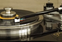 Genesis Advanced Technologie debuts VPI partnered turntable