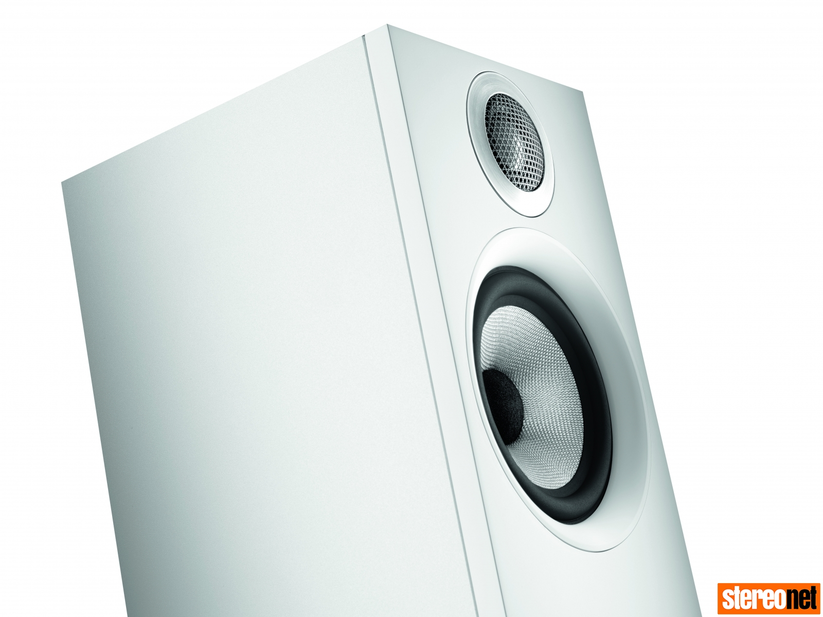 B&W 607 speaker in white