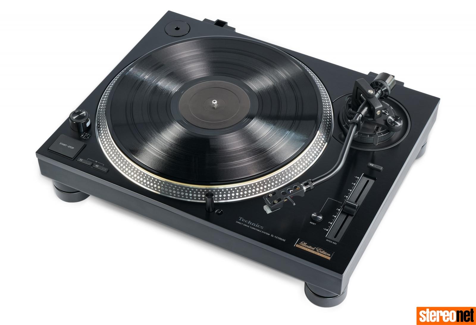 Technics SL-1210GAE turntable