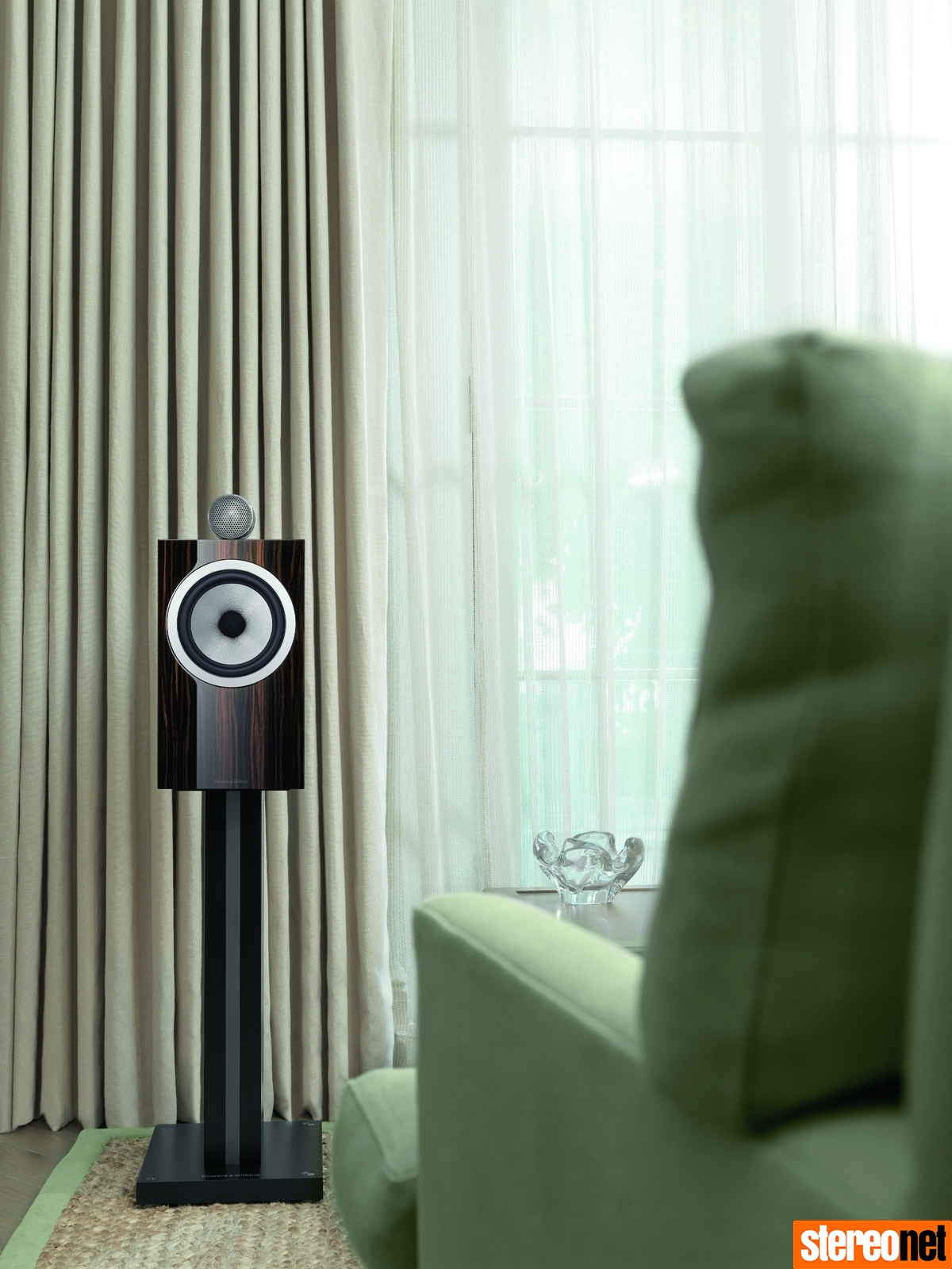 Bowers & Wilkins 705 Signature Review