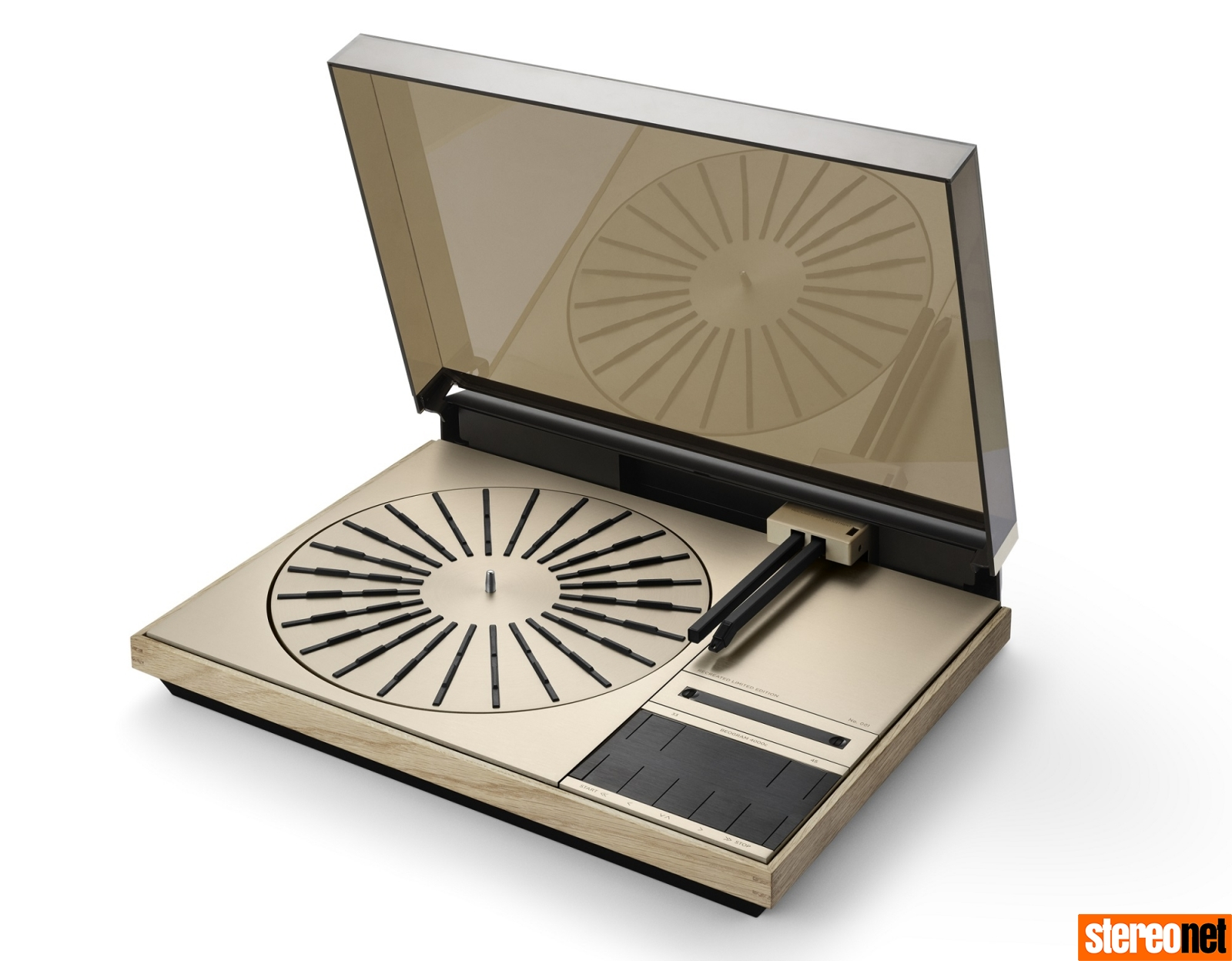 Bang & Olufsen 4000c Recreated Limited Edition turntable