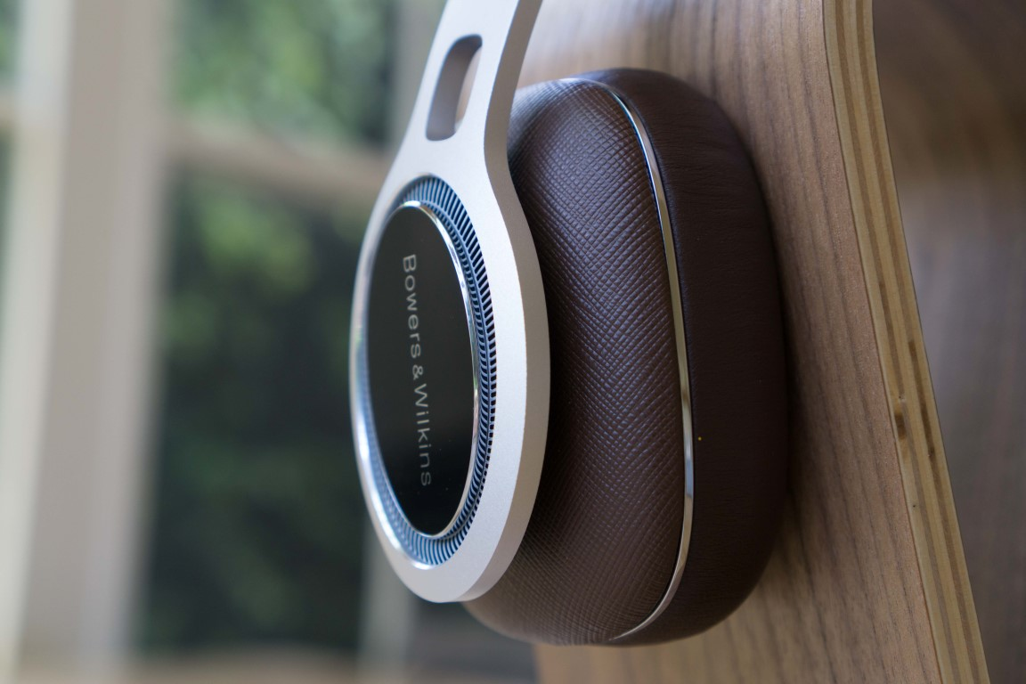 Bowers & Wilkins P9 Close up
