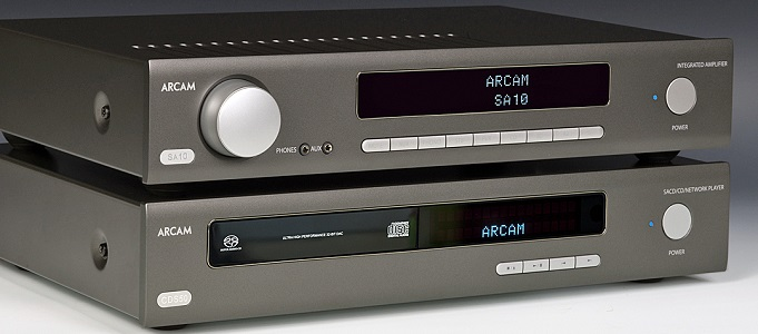 REVIEW: ARCAM SA10 / SA20 AMPS WITH CDS50 STREAMING CD PLAYER & REVEL CONCERTA2 M16 SPEAKERS