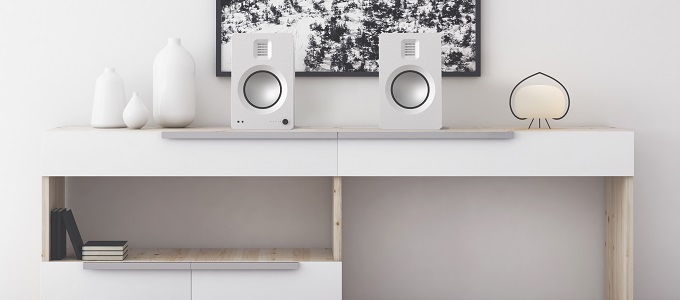 KANTO TUK HIGH-END ACTIVE BOOKSHELF SPEAKERS UK DEBUT