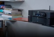 SIMAUDIO LAUNCHES THE MOON 390 NETWORK PLAYER / PREAMPLIFIER