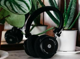GRADO SURPRISES WITH GW100 BLUETOOTH HEADPHONES