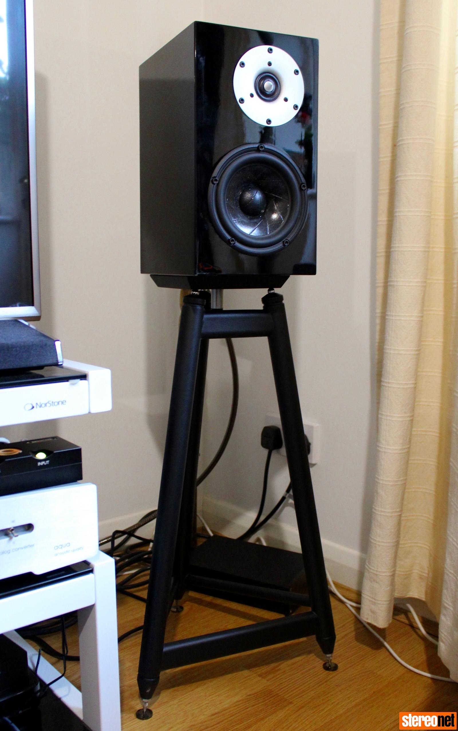 brigadiers audio one audio mu2 speaker on solidsteel ss-6 stand
