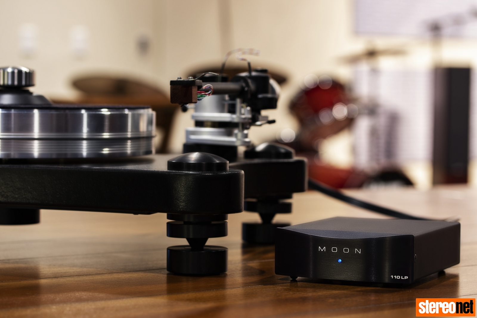MOON by Simaudio 110LP V2 and VPI Prime Turntable